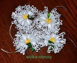 Kwiatek  wielkanocny na koszyk biały+kolorowy kwiatek-paczka 30 szt (555L-1,3)